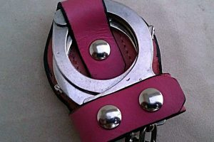 custom-leather-handcuff-holder-cuff1-1355456915-jpg